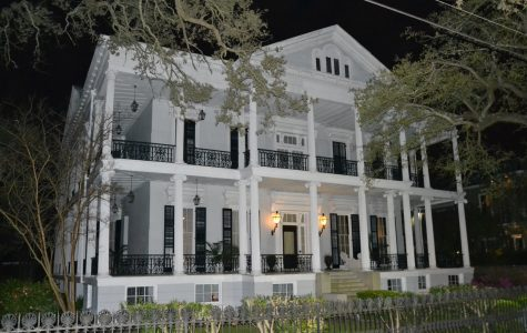 Buckner Mansion best new orleans Uptown and Garden District tours fun in new orleans